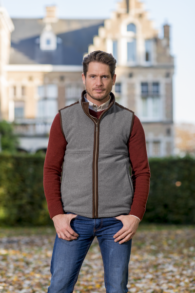 HARRISON A soft touch gilet with a woollook appearance