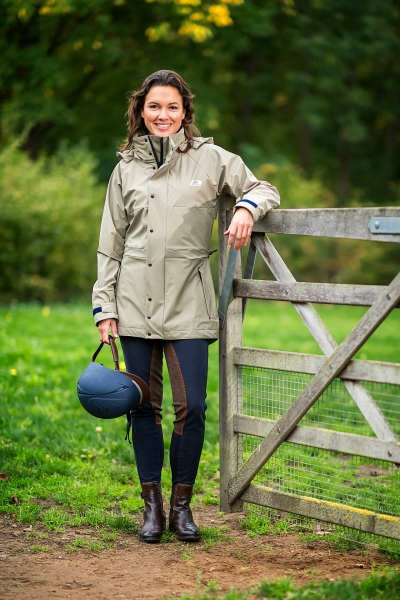 WATERFIELD * INNOVATION AWARD * Practical ladies rainjacket