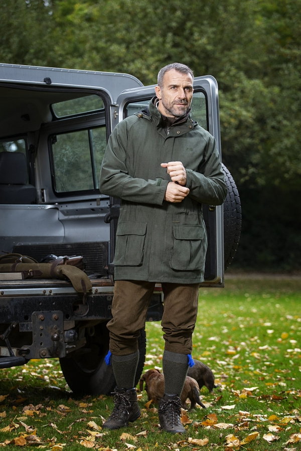 BOWMORE - This classic stylish shooting jacket will keep you dry at all times