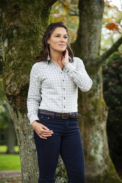 NINA A classic checked soft shirt for ladies